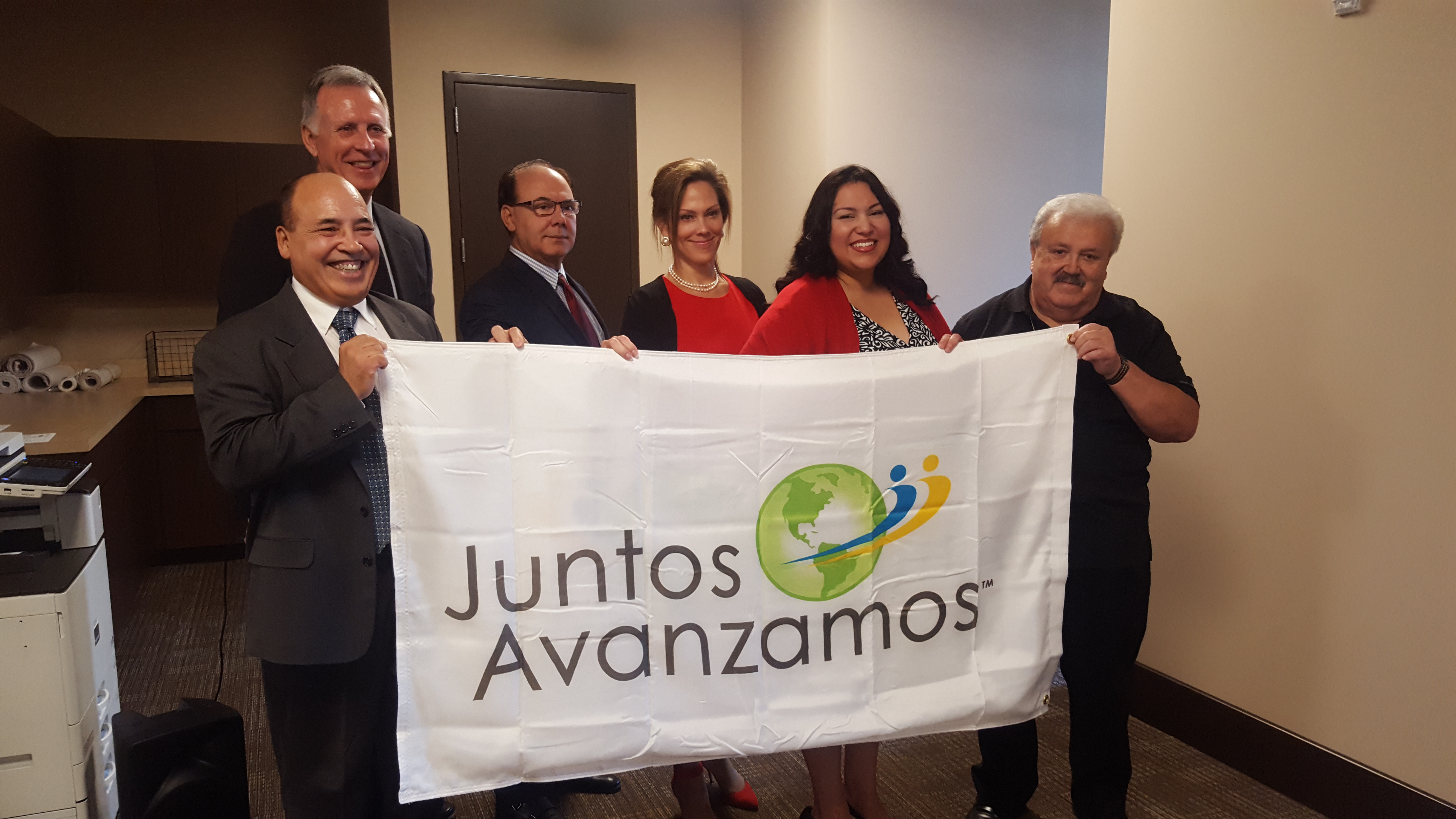 Mwcua partner colorado credit union celebrates juntos avanzamos pictured from left to right pablo defilippi vice president of membership and business development publicscrutiny Gallery